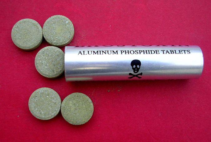 800px-aluminum_phosphide